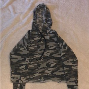 Camo cropped hoodi, long sleeved